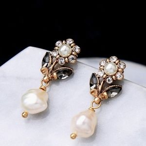 J Crew Freshwater Pearl Deep Gold Stud Earrings